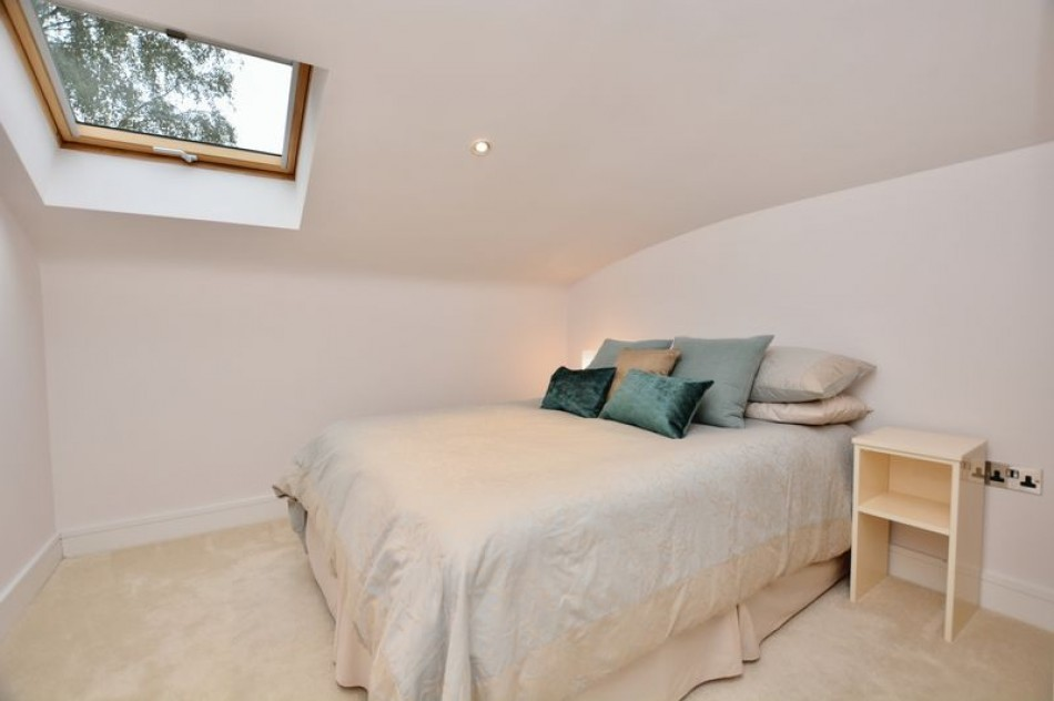 Images for Parabola Court, Pemberton Road, East Molesey EAID:Miles&Bird BID:Miles & Bird